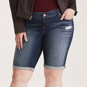 Torrid Size 16 Boyfriend Bermuda Short Jean Shorts